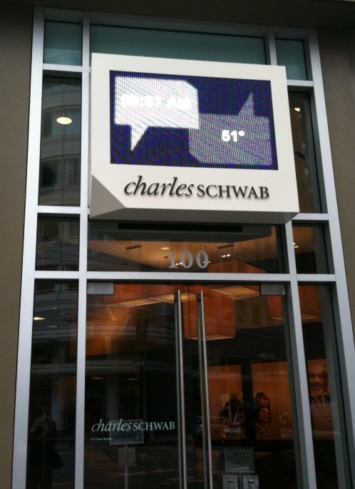 Charles_Schwab_digital_speech_bubble