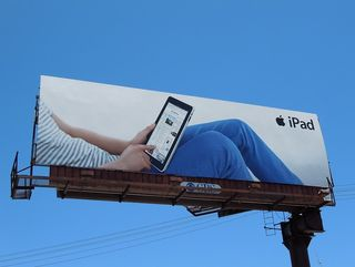 IPad_Billboard_grey_striped_top